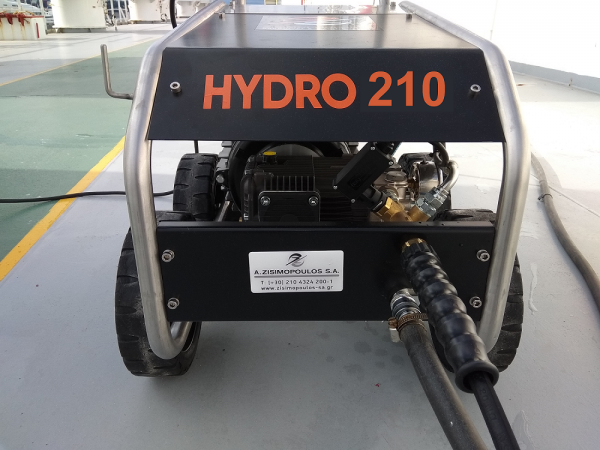 To Hydro 210 είναι ένα επαγγελματικό μηχάνημα υδροβολής υψηλής πίεσης νερού,σχεδιασμένο και κατασκευασμένο για χρήση κάτω από τις πιο σκληρέςσυνθήκες.